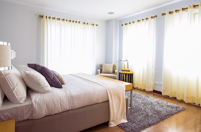 koberec v ložnici