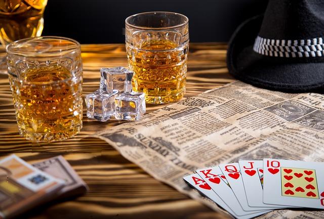 karty a whisky.jpg