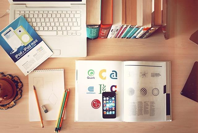 stůl studenta.jpg