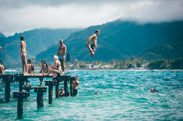 skákání do moře.jpg