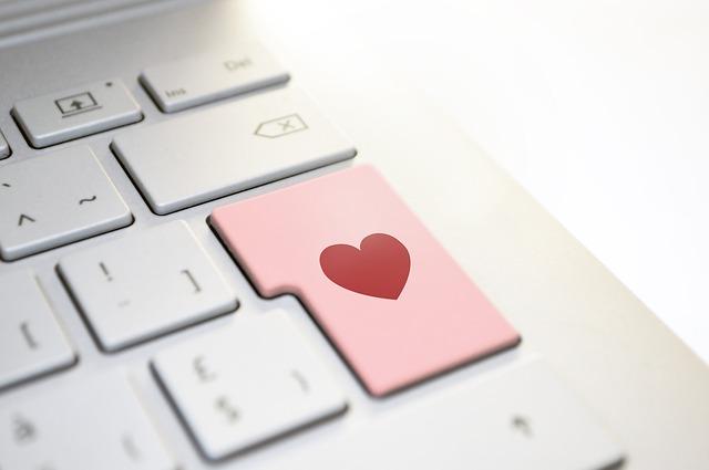 růžová klávesa